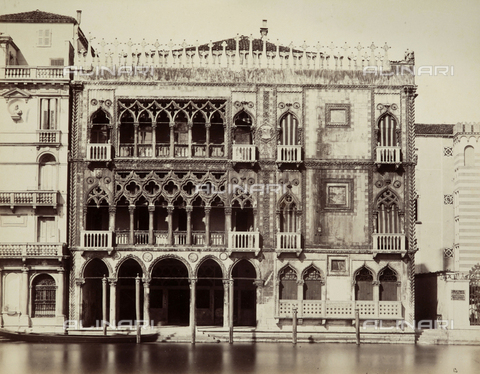 FVQ-F-023740-0000 - Façade of the Ca' d'Oro on the Grand Canal in Venice - Data dello scatto: 1865-1875 - Archivi Alinari, Firenze