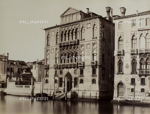 FVQ-F-023742-0000 - Façade of the Palazzo Cavalli Franchetti in Venice - Data dello scatto: 1865-1875 - Archivi Alinari, Firenze