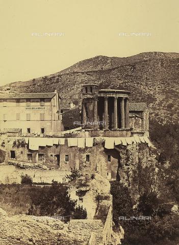FVQ-F-024890-0000 - Il tempio della Sibilla a Tivoli - Data dello scatto: 1855 ca. - Raccolte Museali Fratelli Alinari (RMFA), Firenze