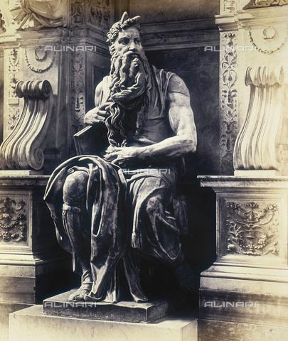 FVQ-F-026728-0000 - Moses, marble statue by Michelangelo, Church of S. Pietro in Vincoli, Rome - Data dello scatto: 1855 ca. - Archivi Alinari, Firenze