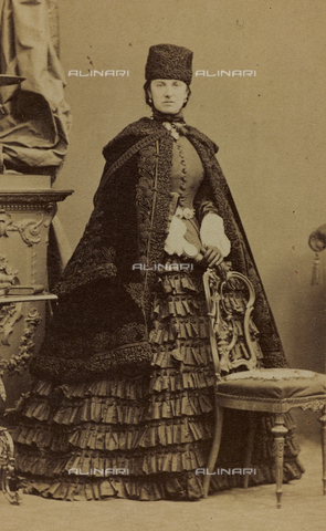 FVQ-F-027659-0000 - Portrait of the Anne Sutherland-Leveson-Gower, Duchess of Sutherland; carte de visite - Data dello scatto: 1855-1865 - Archivi Alinari, Firenze