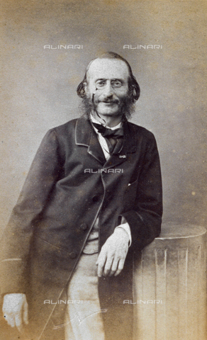 FVQ-F-027667-0000 - Three-quarter length portrait of the famous German composer Jacques Offenbach - Date of photography: 1860 ca. - Fratelli Alinari Museum Collections, Florence