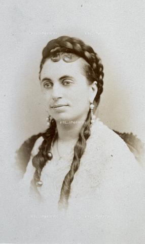FVQ-F-027705-0000 - Ritratto a mezzobusto di Marie Dumas, figlia del celebre romanziere Alexandre Dumas - Data dello scatto: 1855 ca. - Archivi Alinari, Firenze