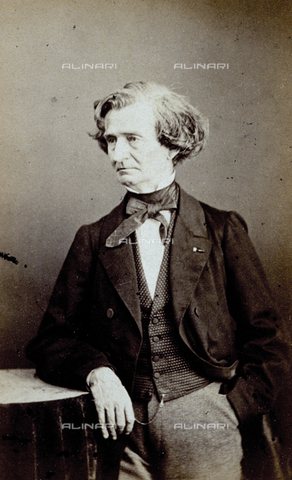 FVQ-F-027787-0000 - Three-quarter length portrait of the famous French musician Hector Berlioz - Data dello scatto: 1865 - Archivi Alinari, Firenze