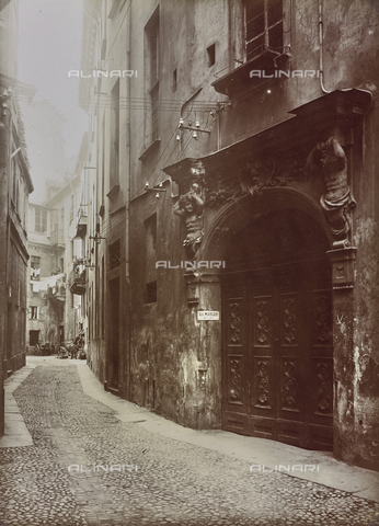 FVQ-F-029861-0000 - Portone di un palazzo di Torino - Data dello scatto: 28/11/1925 - Raccolte Museali Fratelli Alinari (RMFA), Firenze
