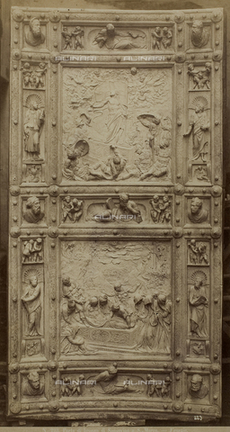 FVQ-F-033434-0000 - Bronze door with the Resurrection and the Deposition, Jacopo Tatti known as Sansovino (1486-1570), Sacristy of the Basilica of San Marco, Venice - Data dello scatto: 1865-1875 - Archivi Alinari, Firenze