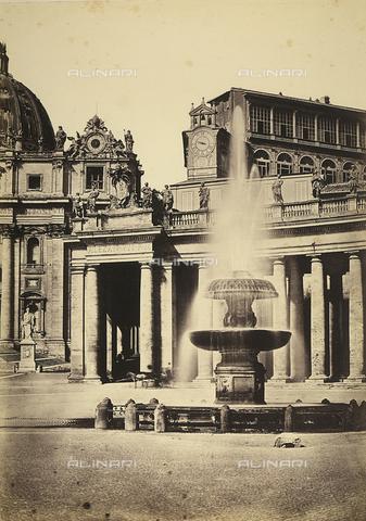 FVQ-F-033519-0000 - La fontana di Carlo Maderno in Piazza San Pietro a Città del Vaticano - Data dello scatto: 1870 ca. - Raccolte Museali Fratelli Alinari (RMFA), Firenze
