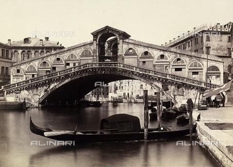 FVQ-F-033606-0000 - Venezia. Ponte di Rialto - Data dello scatto: 1865 ca. - Raccolte Museali Fratelli Alinari (RMFA), Firenze