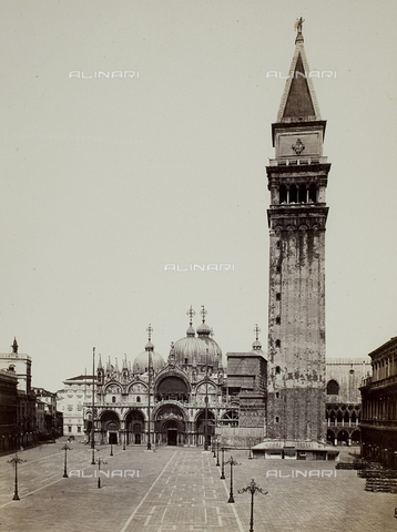 FVQ-F-033610-0000 - Veduta di Piazza San Marco a Venezia - Data dello scatto: 1860-1870 - Raccolte Museali Fratelli Alinari (RMFA), Firenze