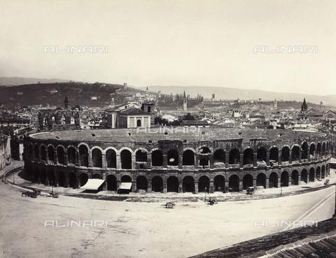 FVQ-F-034258-0000 - Verona, veduta panoramica con l'Arena - Data dello scatto: 1870 ca. - Archivi Alinari, Firenze