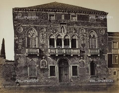 FVQ-F-034973-0000 - Facciata del Palazzo da Mula a Murano - Data dello scatto: 1860-1870 - Raccolte Museali Fratelli Alinari (RMFA), Firenze