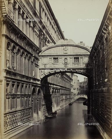 FVQ-F-034975-0000 - Veduta del Ponte dei Sospiri a Venezia - Data dello scatto: 1860-1870 - Raccolte Museali Fratelli Alinari (RMFA), Firenze