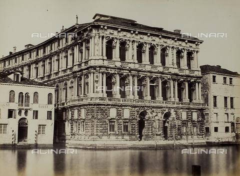FVQ-F-035144-0000 - Veduta di Ca' Pesaro a Venezia - Data dello scatto: 1860-1870 - Raccolte Museali Fratelli Alinari (RMFA), Firenze
