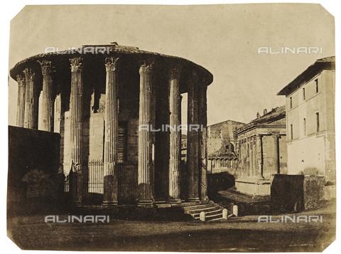 FVQ-F-040118-0000 - Tempio detto di Vesta a Roma - Data dello scatto: 1852 ca. - Archivi Alinari, Firenze