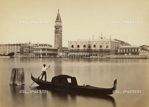 FVQ-F-040179-0000 - Gondoliere nella laguna di Venezia - Data dello scatto: 1865 ca. - Raccolte Museali Fratelli Alinari (RMFA), Firenze