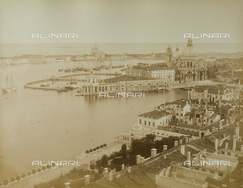 FVQ-F-040191-0000 - Panorama of Venice from the Bell tower of San Marco - Data dello scatto: 1865-1875 - Archivi Alinari, Firenze