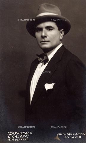 FVQ-F-040663-0000 - Male portrait - Data dello scatto: 1930 - Archivi Alinari, Firenze