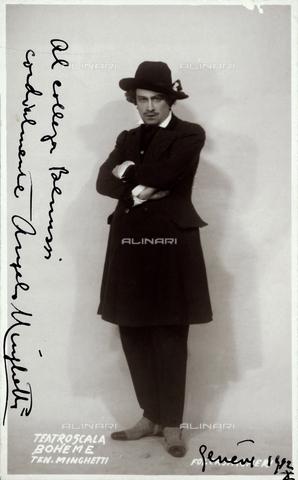 """FVQ-F-040664-0000 - Portrait of the tenor Angelo Minghetti during a performance of """"Bohéme"""" - Data dello scatto: 1932 - Archivi Alinari, Firenze"""