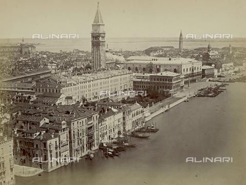 FVQ-F-043930-0000 - Veduta panoramica della Riva degli Schiavoni a Venezia - Data dello scatto: 1860-1870 - Raccolte Museali Fratelli Alinari (RMFA), Firenze