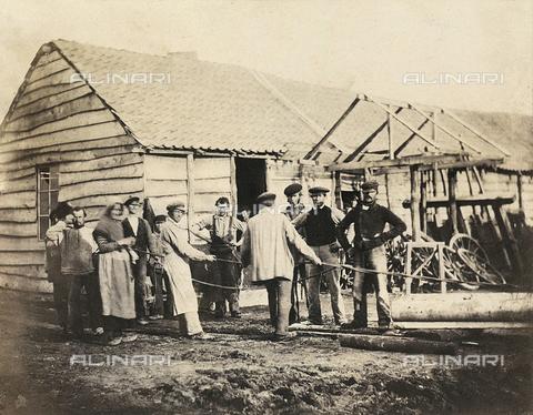 FVQ-F-045375-0000 - Un gruppo di uomini al lavoro in una campagna francese - Data dello scatto: 1855 ca. - Raccolte Museali Fratelli Alinari (RMFA), Firenze