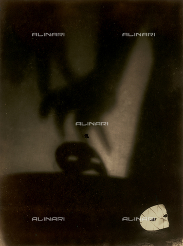 """FVQ-F-045715-0000 - """"Maschera bianca"""" - Data dello scatto: 1934 - Archivi Alinari, Firenze"""