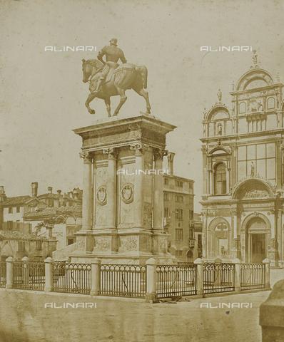 FVQ-F-046127-0000 - View of Campo Santi Giovanni and Paolo in Venice, with the Monument to Bartolomeo Colleoni and the Scuola Grande di San Marco - Data dello scatto: 1855 ca. - Archivi Alinari, Firenze