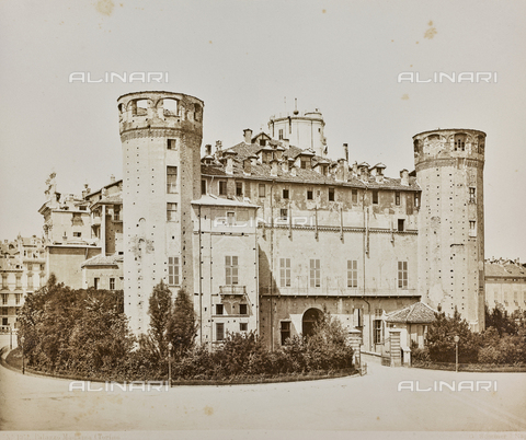 FVQ-F-047928-0000 - Madama Palace, Torino - Data dello scatto: 1870 ca. - Archivi Alinari, Firenze