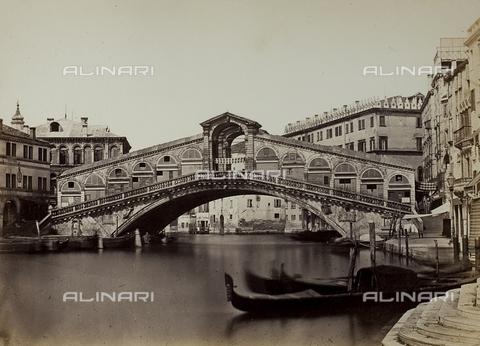 FVQ-F-048554-0000 - Veduta del Canal Grande con il Ponte di Rialto, Venezia - Data dello scatto: 1860-1870 - Raccolte Museali Fratelli Alinari (RMFA), Firenze