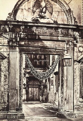 FVQ-F-050280-0000 - Entrance of a Venetian palace - Data dello scatto: 1860-1865 ca. - Archivi Alinari, Firenze
