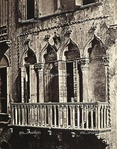 FVQ-F-050283-0000 - Terrace of the facade of a Venetian residence - Data dello scatto: 1860-1865 ca. - Archivi Alinari, Firenze