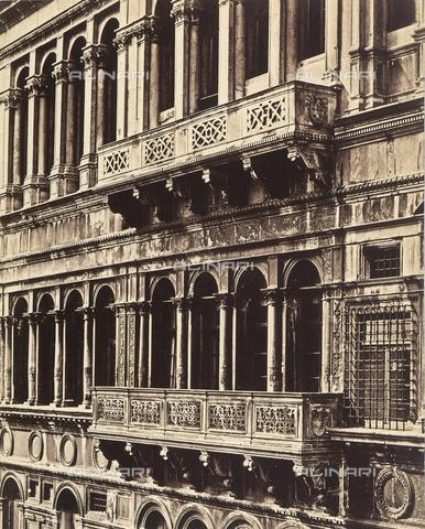 FVQ-F-050289-0000 - Detail of the facade of a Venetian Palace - Data dello scatto: 1860-1865 ca. - Archivi Alinari, Firenze