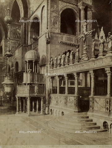 FVQ-F-057451-0000 - Inner view of the Basilica of San Marco, Venice - Data dello scatto: 1865-1875 - Archivi Alinari, Firenze