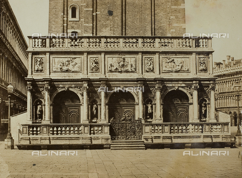 FVQ-F-062570-0000 - Loggetta alla base del Campanile di San Marco a Venezia - Data dello scatto: 1860-1870 - Raccolte Museali Fratelli Alinari (RMFA), Firenze