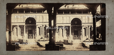 FVQ-F-063002-0000 - The Santa Croce's cloister with the Cappella de' Pazzi, Florence, stereoscopic photography - Data dello scatto: 1860-1870 - Archivi Alinari, Firenze