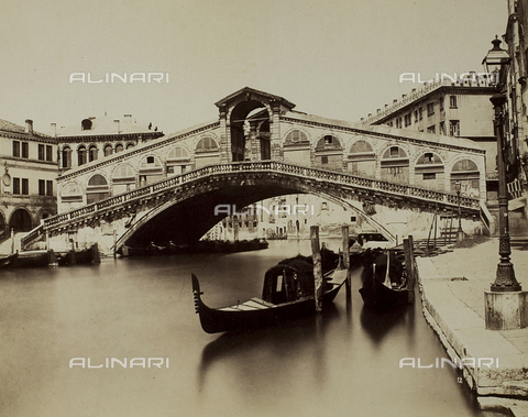 FVQ-F-063660-0000 - View of the Grand Canal with the Ponte di Rialto, Venice - Data dello scatto: 1865-1875 - Archivi Alinari, Firenze