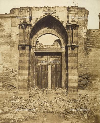 FVQ-F-065177-0000 - The portal of the church of Saint Mary of the Servants in Venice - Data dello scatto: 1855 ca. - Archivi Alinari, Firenze