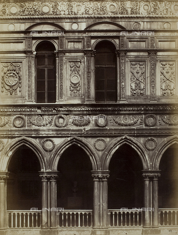 FVQ-F-067723-0000 - Detail of the façade of the Palazzo Ducale in Venice, seen from the courtyard - Data dello scatto: 1865-1875 - Archivi Alinari, Firenze