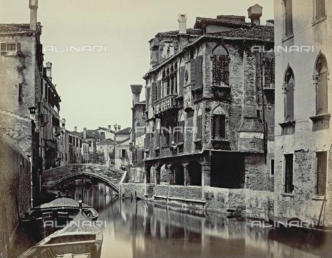 FVQ-F-068436-0000 - Veduta del Rio dei Santissimi Apostoli a Venezia - Data dello scatto: 1860-1870 - Raccolte Museali Fratelli Alinari (RMFA), Firenze