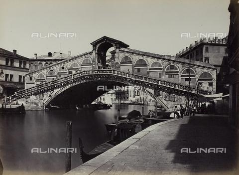 FVQ-F-068437-0000 - Venezia. Ponte di Rialto - Data dello scatto: 1865 ca. - Raccolte Museali Fratelli Alinari (RMFA), Firenze