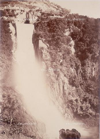 FVQ-F-068447-0000 - La Grande Cascata dell'Anio a Tivoli - Data dello scatto: 1855 ca. - Raccolte Museali Fratelli Alinari (RMFA), Firenze