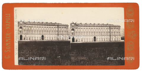 FVQ-F-075610-0000 - View of the facade of the Royal Palace of Caserta. Stereoscopic image - Data dello scatto: 1880-1890 - Archivi Alinari, Firenze