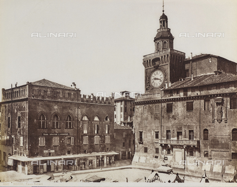 FVQ-F-077382-0000 - Palazzo d'Accursio with the Clock Tower, Piazza Maggiore, Bologna - Date of photography: 1870-1880 - Fratelli Alinari Museum Collections, Florence