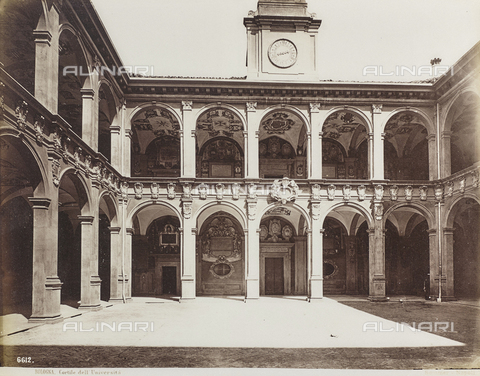 FVQ-F-077386-0000 - Cloister of the Archiginnasio of Bologna - Data dello scatto: 1870-1880 - Archivi Alinari, Firenze