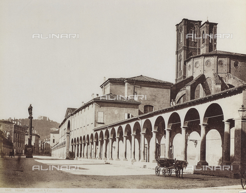 FVQ-F-077402-0000 - The portico of San Francesco and the column of the Immaculate, Bologna - Data dello scatto: 1870-1880 - Archivi Alinari, Firenze