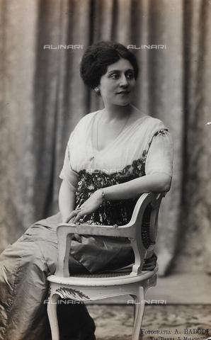 FVQ-F-082128-0000 - Portrait of the Italian actress Alfonsina Pieri - Data dello scatto: 1910-1920 - Archivi Alinari, Firenze