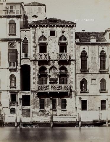 FVQ-F-084512-0000 - Façade of the Palazzo Contarini-Fasan in Venice - Data dello scatto: 1865-1875 - Archivi Alinari, Firenze