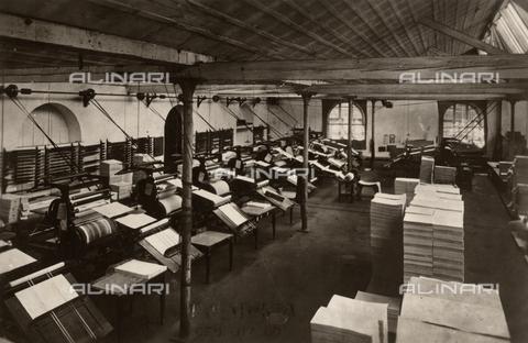 FVQ-F-102315-0000 - The photographic laboratory of Castagneri (?) - Data dello scatto: 1920-1930 ca. - Archivi Alinari, Firenze