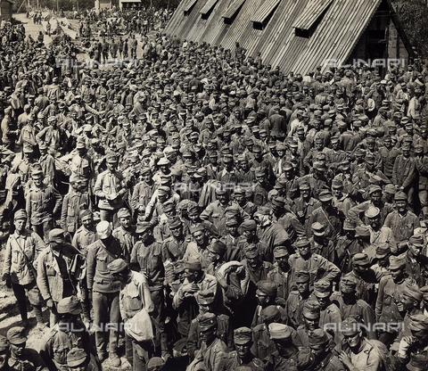 FVQ-F-108224-0000 - Prigionieri Austriaci - Data dello scatto: 1915 - 1918 - Archivi Alinari, Firenze