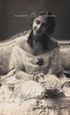 FVQ-F-116563-0000 - Portrait of the Italian actress Margherita Bagni, postcard - Data dello scatto: 1920-1925 - Archivi Alinari, Firenze