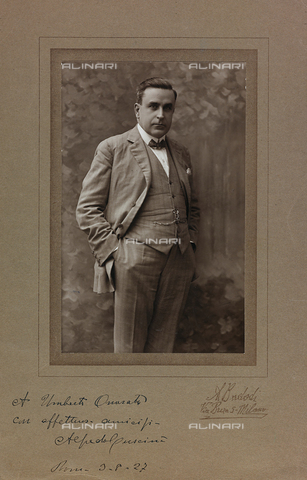 FVQ-F-116588-0000 - Portrait with dedication and autograph of Alfredo Cuscinà (1881-1955), Italian musician - Date of photography: 1927 - Fratelli Alinari Museum Collections, Florence
